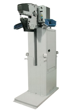 PNEUMATIC PRESS TOOL FOR INSTALLATION OF  SELF-CLINCHING FASTENERS